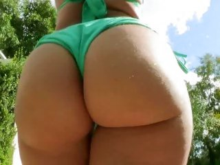 Bridgette B and Kelly Divine parade their hawt butts