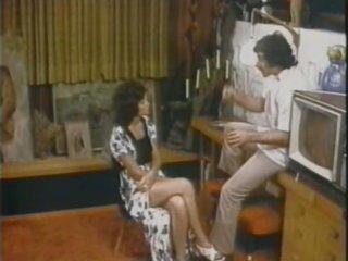 Linda Lovelace Deepthroats Harry Reems' Large Cock