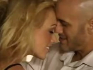 Aggressive hot sex with Kagney Linn Karter