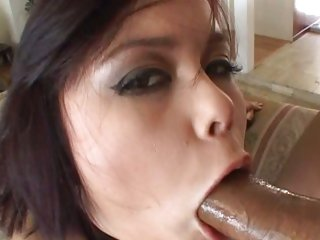 Seductive Annie Cruz mouth fucks a pulsating boner