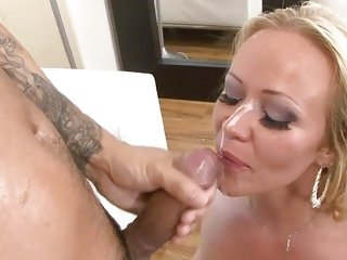 Austin Taylor gets her face plastered with hot cum