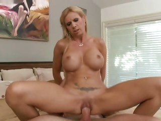 Awesome Brooke Tyler is rutted up her dripping snatch