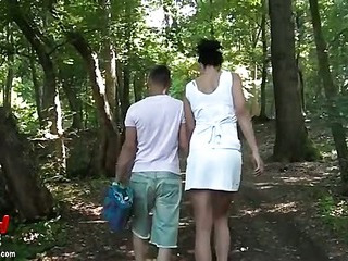 Couple fucking outdoors in the woods