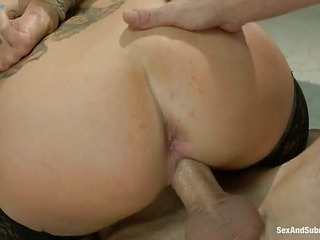 Joslyn James gets sandwiched by two guys (Kink » Sex And Submission)