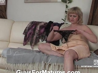 Emilia&Jerry horny mommy on clip