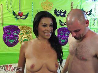 cassandra cruz gets her perfect booty licked