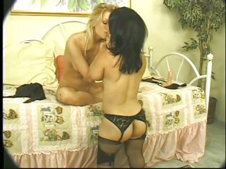 hot blonde fucking brunette midget slut