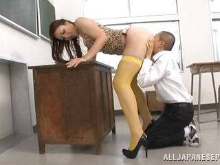 she's too tall to suck him on her knees