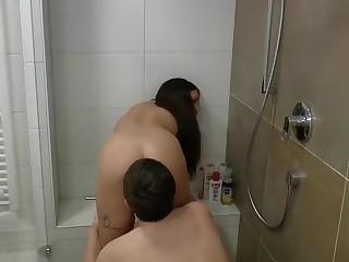 Unglaublicher Teenysex mit Jan18 in der Dusche!