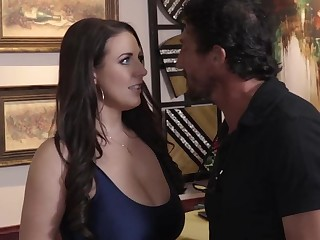 Angela White gives her pussy to handsome bartender