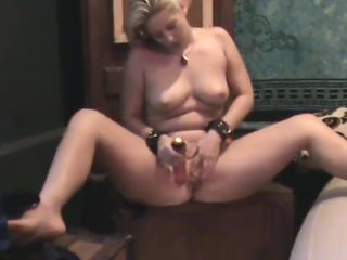 Curvy natural blonde gets off on toying bawdy cleft