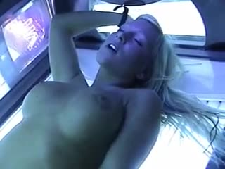 Massive spunk flow on fuck slut in tanning bed